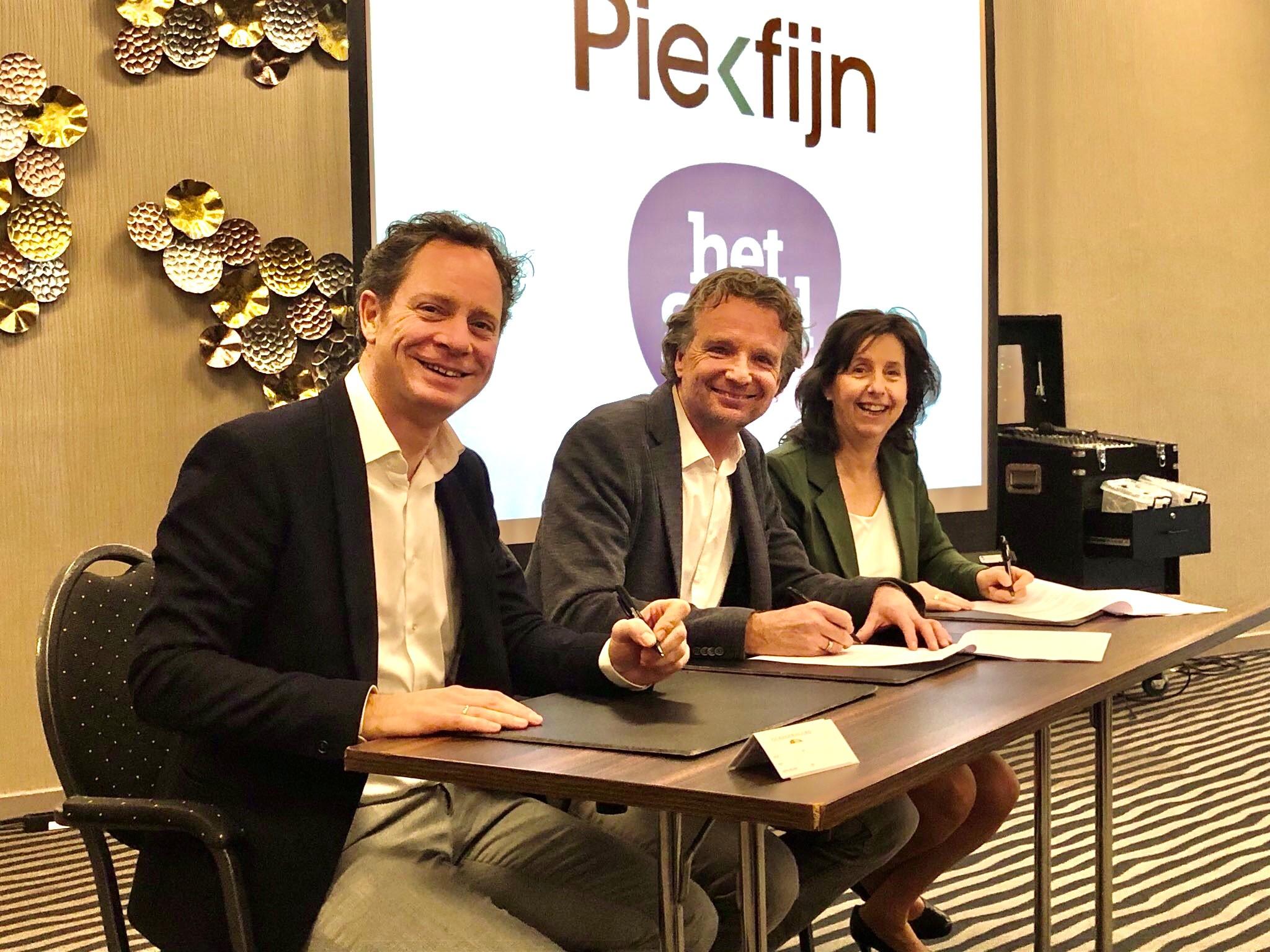 ondertekening overeenkomst tussen gemeente Rotterdam en Het Goed